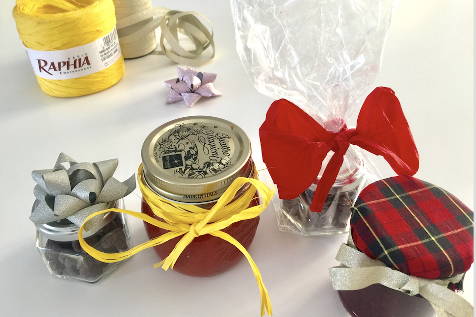 HOW TO WRAP HOME-MADE GIFTS FROM THE KITCHEN