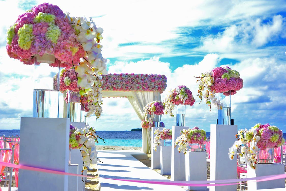 DREAMING OF A BEACH WEDDING
